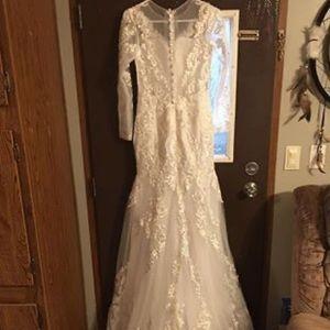Ivory Wedding dress.